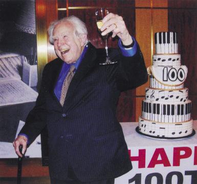 Elliott Carter at Carnegie Hall on his hundredth birthday, December 11, 2008; photograph by Dominique Nabokov