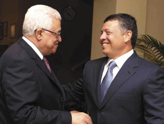 Palestinian President Mahmoud Abbas and Jordanian King Abdullah in Amman, August 20, 2009