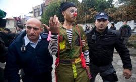 Clown demonstrator.jpg
