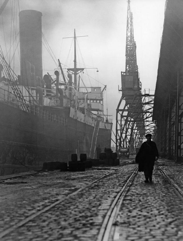 Jean Gabin in Le Quai des Brumes, 1938
