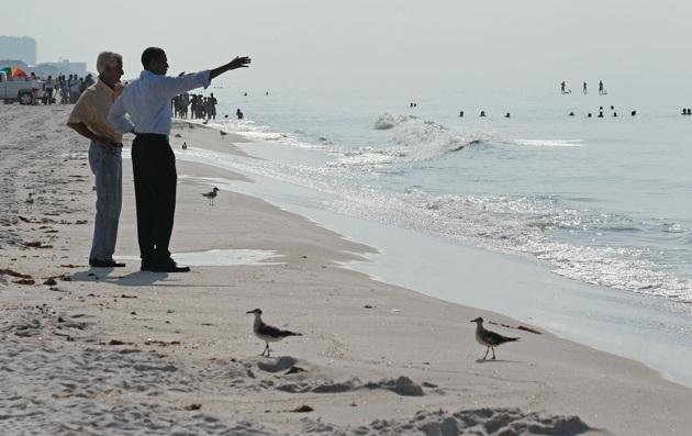 Governor Charlie Crist and Barack Obama at Casino Beach, Pensacola, Florida, June 15, 2010