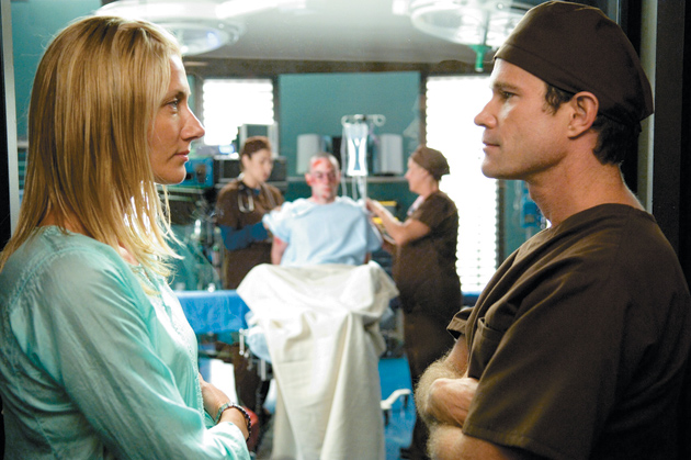 Joely Richardson and Dylan Walsh in the television series Nip/Tuck