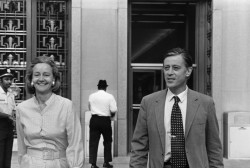 <i>The Washington Post</i>'s Katharine Graham and Ben Bradlee leaving US District Court after winning a ruling in the Pentagon Papers case, 1971