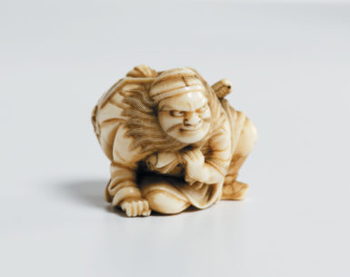 Shoki the demon catcher; Edo-period netsuke by Gyokuyosai, from Edmund de Waal's family's collection