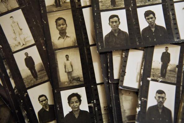 Prisoners at S-21.jpg