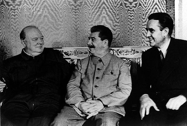 Churchill, Stalin, Harriman.jpg