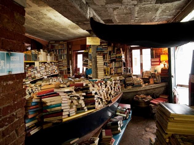Venice, bookshop.jpg