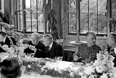 Ivan Maisky (second from left), the Soviet ambassador to London between 1932 and 1943, with Winston Churchill at the Allied ambassadors' lunch at the Soviet embassy, September 1941. General Władysław Sikorski, prime minister of the Polish government in exile, is second from right.