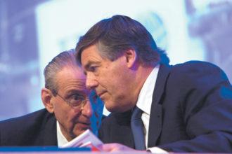 William Rhodes, senior vice-chairman of Citigroup, with Josef Ackermann, chairman of Deutsche Bank, at the Institute of International Finance spring membership meeting, Beijing, June 2009