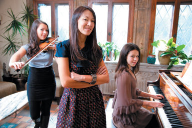 Amy Chua with her daughters Lulu and Sophia, New Haven, Connecticut, 2011