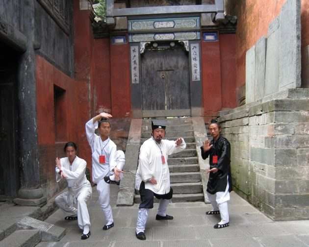 Daoist priests.jpg
