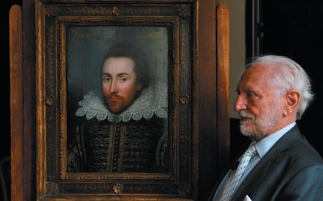 Stanley Wells unveiling a newly identified portrait of Shakespeare, the only one thought to have been painted during his lifetime, London, March 9, 2009