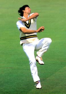 Imran Khan bowling.jpg