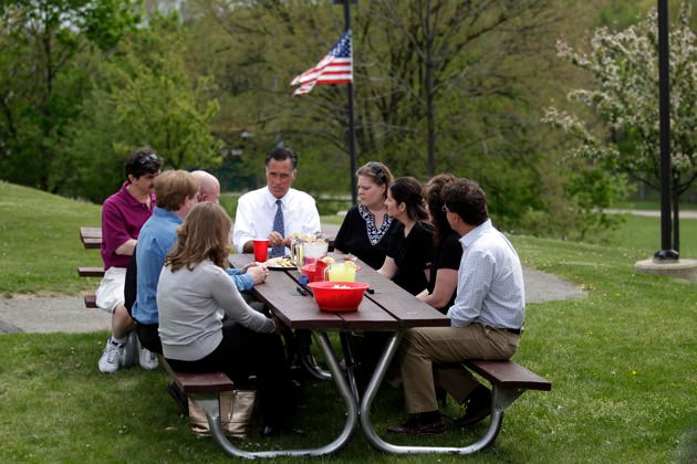 Romney and cookies.jpg