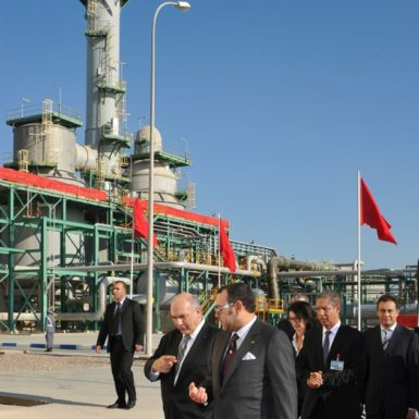 Morocco's King Mohammed VI, center, after inaugurating a new phosphate fertilizer plant, Jorf Lasfar, December 22, 2011