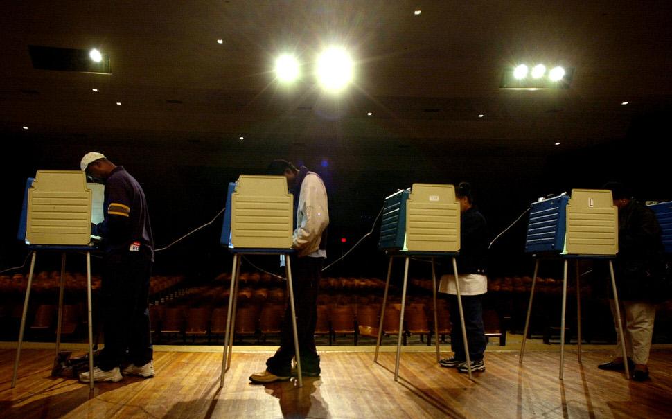 Ohio voting 2004.jpg