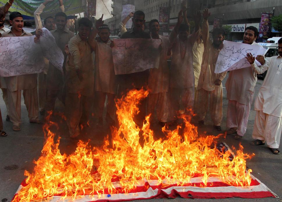 Corbis Pakistan anti-islam video.jpg