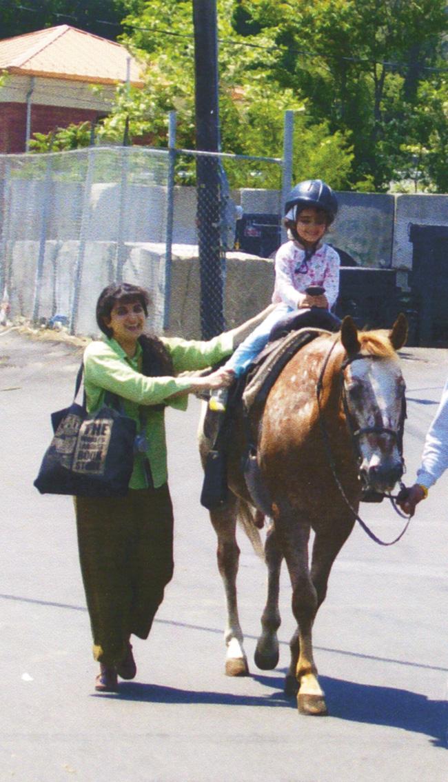 Mazoltuv Borukhova with her daughter, Michelle Malakova, circa 2007