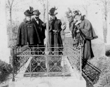 Sigmund Freud with his mother and sisters, including Adolfina (center), at their father's grave, Vienna, 1897