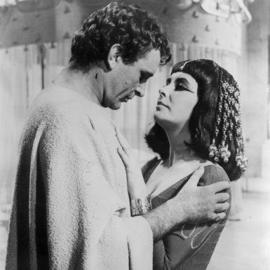 Richard Burton and Elizabeth Taylor in Cleopatra, 1962