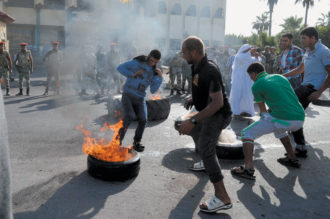 Protesters in front of the North Sinai governorate headquarters, El Arish, November 4, 2012
