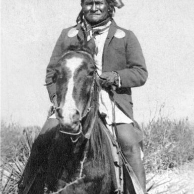 Geronimo at Canyon de los Embudos (Funnel Canyon), twenty-five miles south of the US–Mexico border, in 1886, the year he surrendered to US authorities