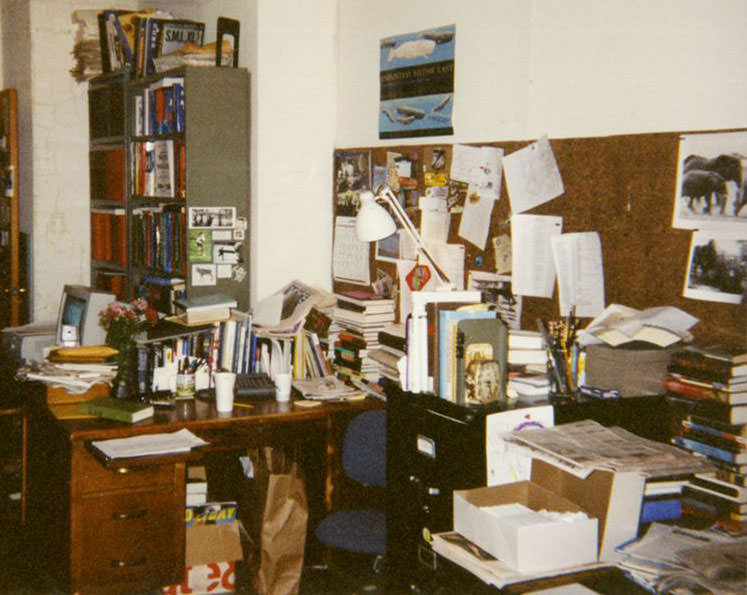 Archive photo messy desk.jpg