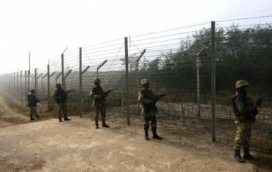 Indian troops patrolling the Line of Control between India and Pakistan in Kashmir, January 2013.
