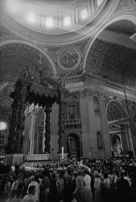 Paul VI, Saint Peter's.jpg