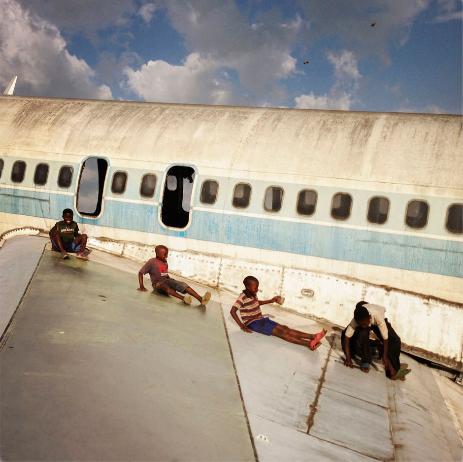 Magnum Airplane in the Congo.jpg