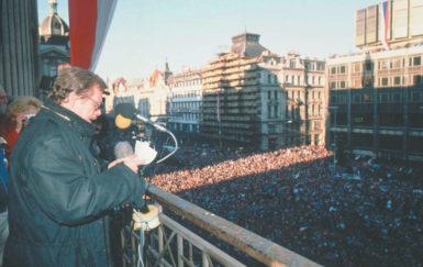 Václav Havel addressing a crowd in Wenceslas Square, Prague, December 10, 1989