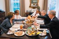 President Barack Obama having lunch with House Minority Leader Nancy Pelosi, House Speaker John Boehner, Senate Majority Leader Harry Reid, and Senate Minority Leader Mitch McConnell in the Oval Office Private Dining Room, May 2012