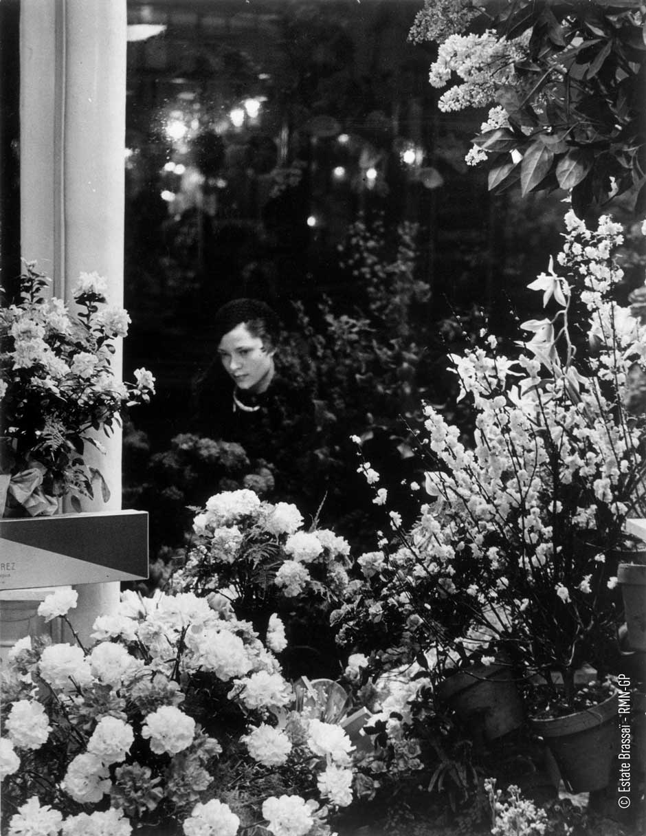 Brassai 7 At the florists.jpg