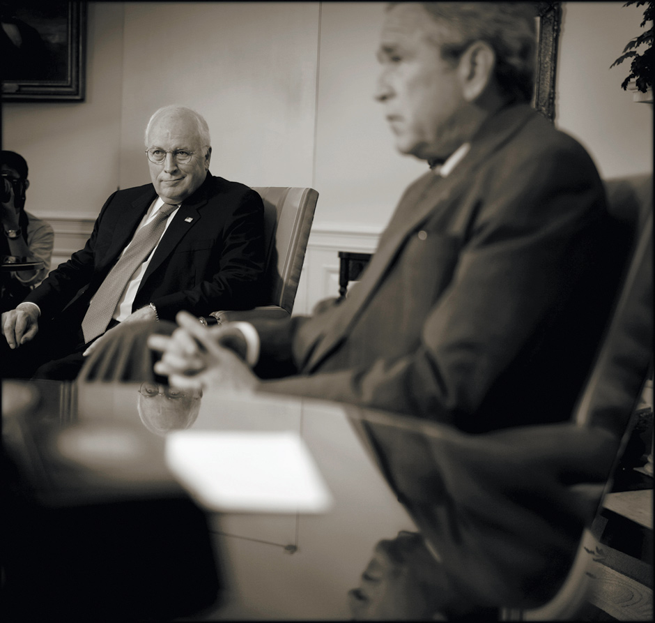 Dick Cheney with George W. Bush in the Oval Office, June 2007