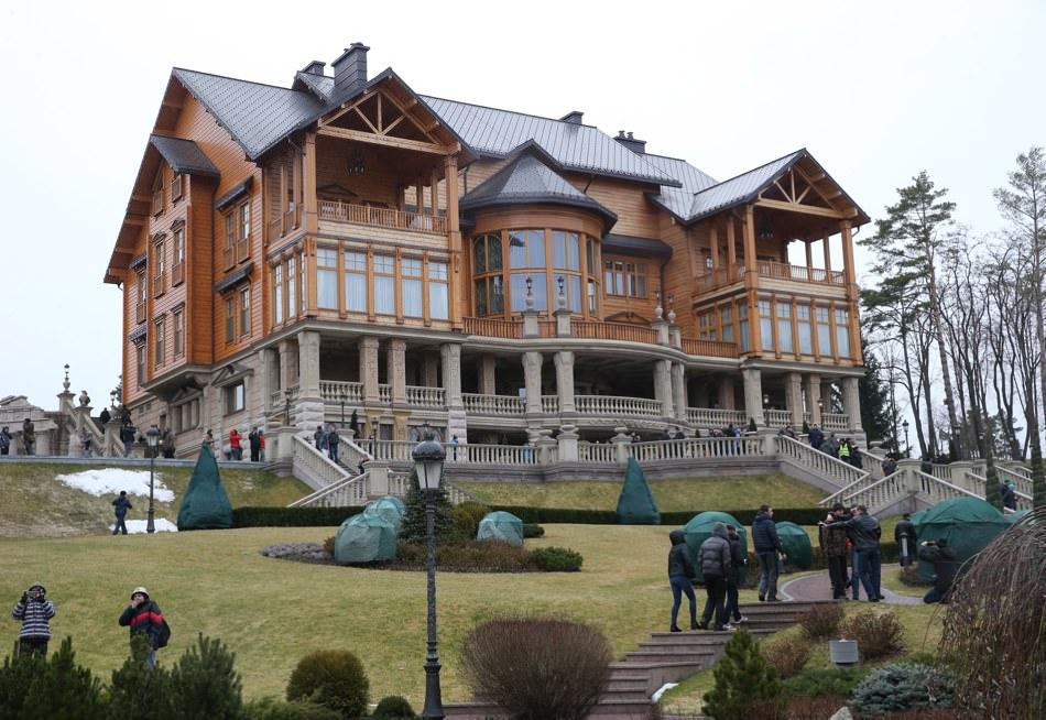 Yanukovich villa.jpg