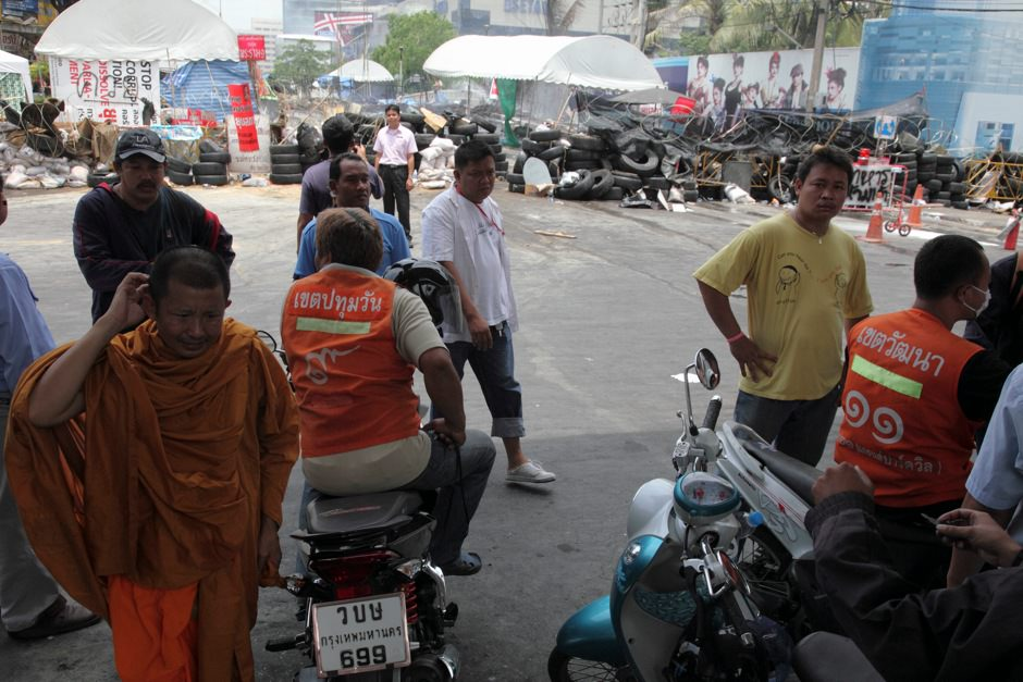 Motorcycle Taxis barricades.jpg