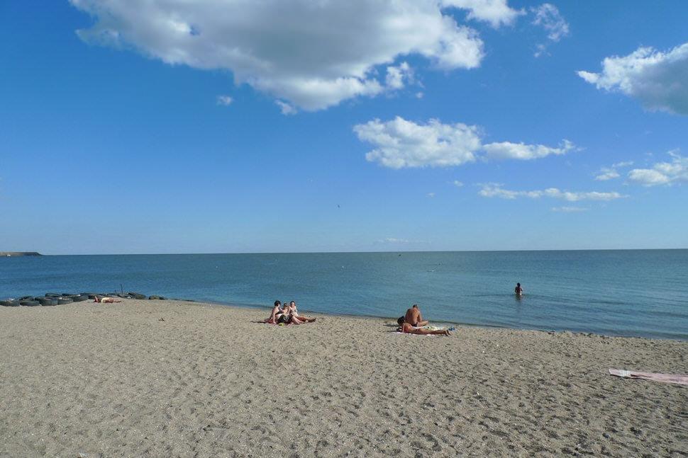 Mariupol beach.jpg