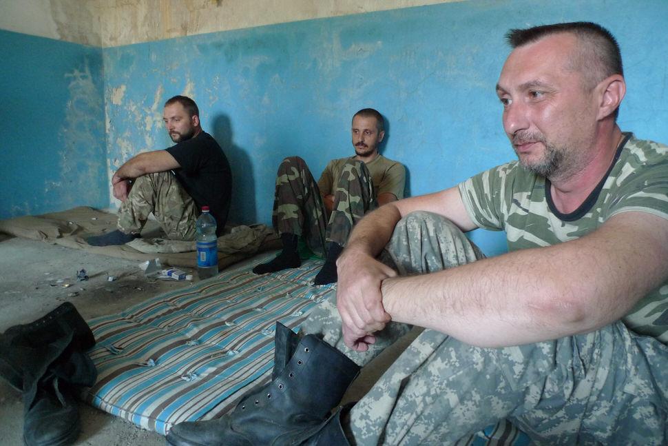Novoazovsk prisoners.jpg