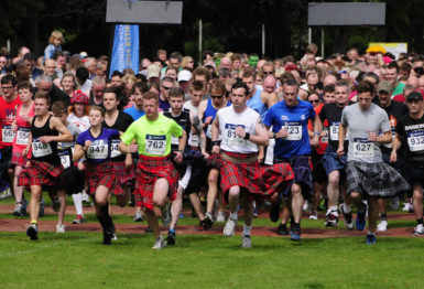 Runners at the start of the 2014 Perth Kilt Run