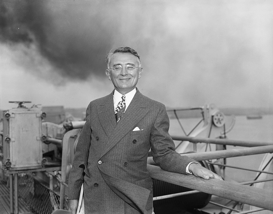 Dale Carnegie returning to New York from Europe on the SS Normandie, 1938