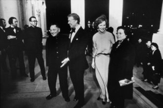 Deng Xiaoping and Jimmy Carter at the White House with their wives after a gala at the Kennedy Center that was held in Deng's honor, January 1979