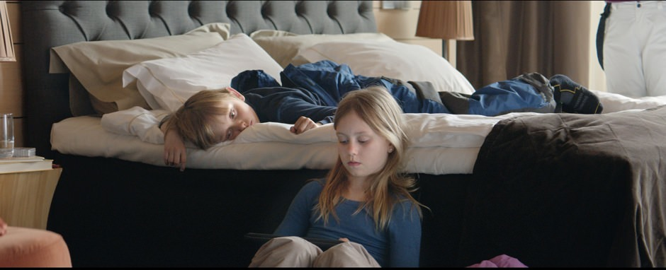 Force Majeure still 2.jpg