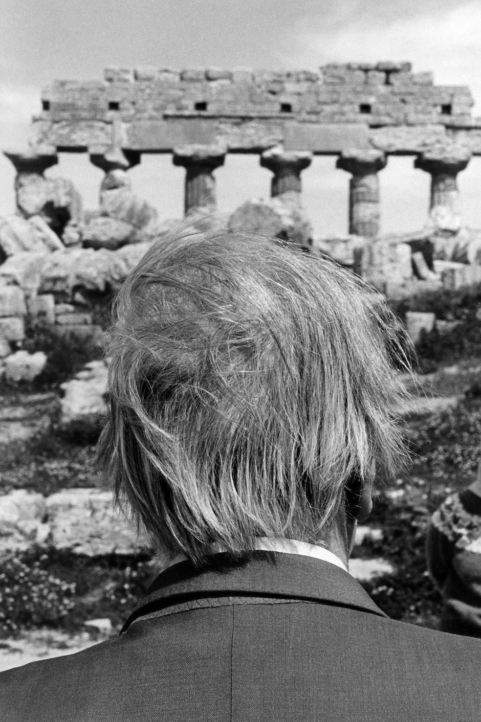 Jorge Luis Borges at the ruins of Selinunte, Sicily, 1984
