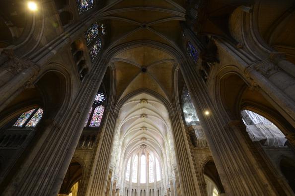 restore Chartres.jpg