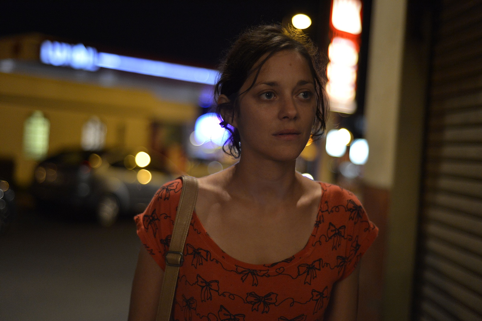 Cotillard- Night scene.jpg