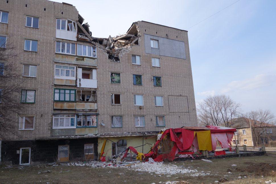 Missile damage, Pervomaysk.jpg