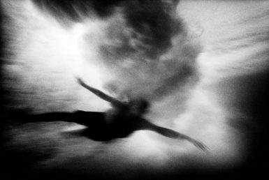Newcastle Beach, New South Wales, Australia, 2000; photograph by Trent Parke