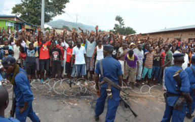 Security forces facing off with protesters in Bujumbura, Burundi, May 20, 2015