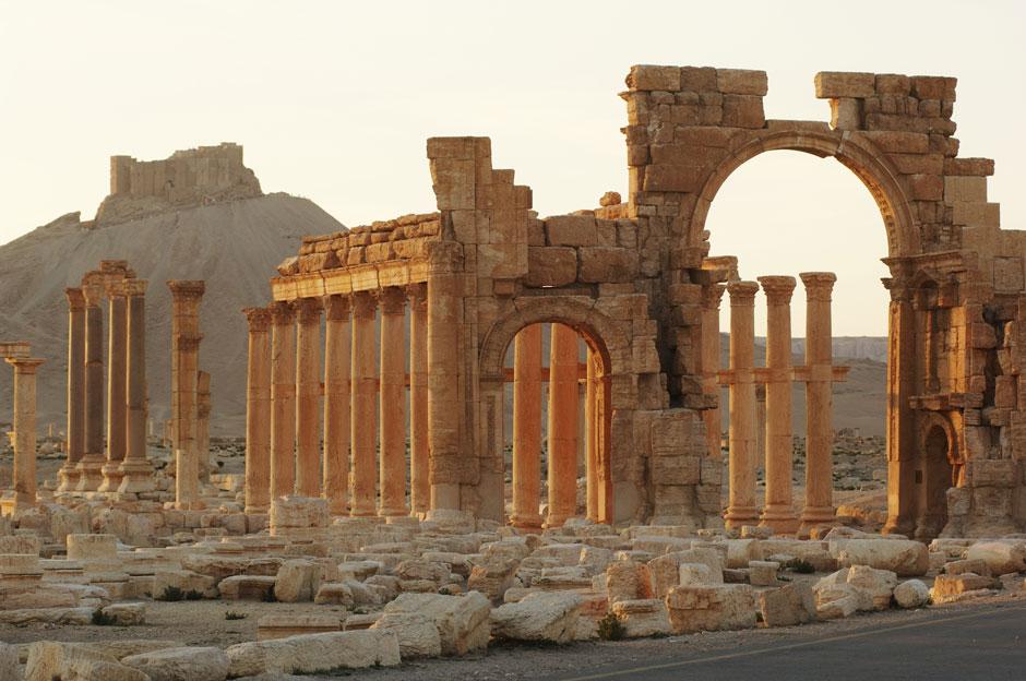 Palmyra triumphal arch.jpg