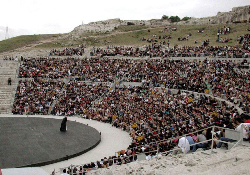 teatro antico Syracuse.jpg